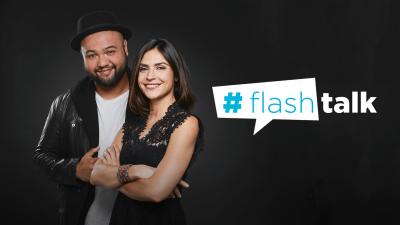 """Les présentateurs et le logo de l'émission """"Flash talk"""""""