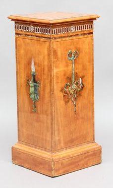 Piédestal antique en bois de satin