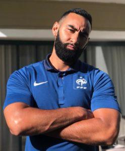 Le rappeur franco-marocain La Fouine sans sa barbichette