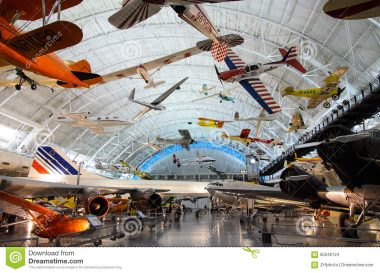 Le Centre Steven F. Udvar-Hazy, annexe du National Air and Space Museum, musée aérospatial états-unien situé en Virginie