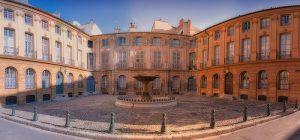 La place d'Albertas et sa fontaine, à Aix-en-Provence (13)