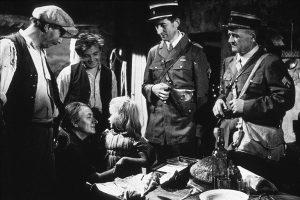 """L'acteur français Bernard Musson dans """"Jeux interdits"""" de René Clément (1951), son premier rôle au cinéma"""