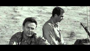 """Maurice Biraud et Charles Aznavour dans """"Un taxi pour tobrouk"""" de Denys de la Patellière (1960)"""