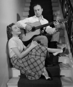 La chanteuse française Line Renaud et le compositeur de chansons Loulou Gasté