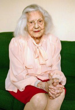 L'actrice française Renée Simonot, née en 1911, doyenne des actrices françaises
