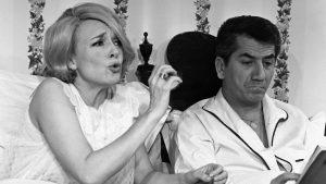 """Ève et Pierre Lagarde dans le feuilleton télévisé """"Les saintes chéries"""" (1965-1971)"""