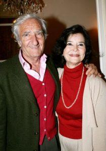 L'actrice française Marie-José Nat et son troisième mari, l'écrivain, peintre et parolier français Serge Rezvani