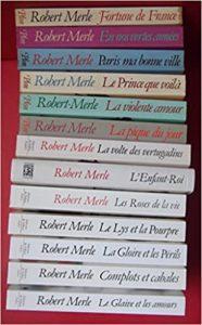 """Les 13 tomes de """"Fortune de France"""", la saga historique de Robert Merle, parus de 1977 à 2003"""