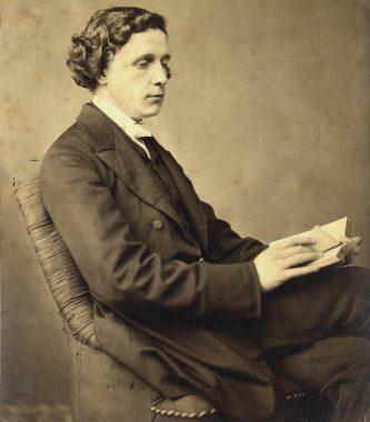 L'écrivain britannique Lewis Carroll