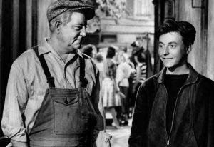 """Jean Gabin et Roger Dumas dans le film français """"Rue des Prairies"""" de Denys de La Patellière (1959)"""