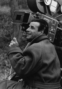 """Le réalisateur français Christian-Jaque sur le tournage du film """"Lucrèce Borgia"""" (1953)"""