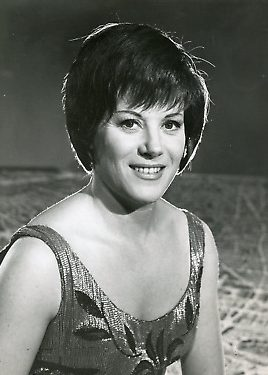 La chanteuse française Colette Renard
