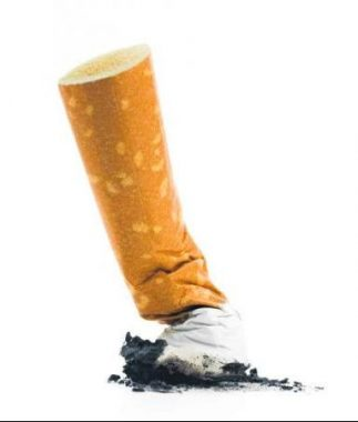 Un mégot de cigarette écrasé