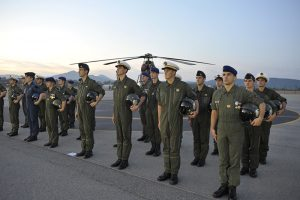 Pilotes et mécaniciens de l'ALAT (Aviation Légère de l'Armée de Terre)