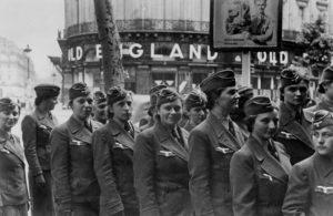 """Auxiliaires féminines de la Wehrmacht à Paris (75) ou """"Souris grises"""""""