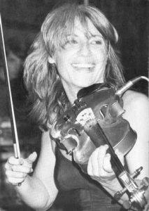 La chanteuse et violoniste française Catherine Lara en 1984