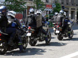 Les BRAV-M (Brigades de Répression de l'Action Violente Motorisées)