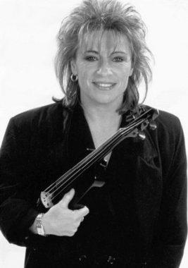La chanteuse et violoniste française Catherine Lara