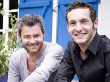 L'animateur Jérôme Anthony et le commissaire-priseur Emmanuel Layan