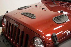 Capot de Jeep avec trois ouïes