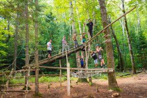 Parcours acrobatique en hauteur, Parcours aventure en forêt ou Parcours aventure