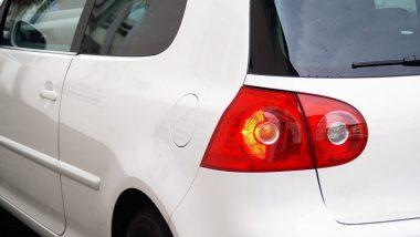 Feux de détresse automobile en fonctionnement