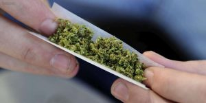 "Cigarette de cannabis ou ""joint"""