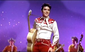 "Elvis Presley (Deke Rivers) dans le film états-unien ""Loving you"" de Hal Kanter (1957)"