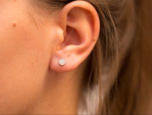Boucle d'oreille puce