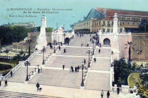 Le célèbre escalier monumental de la gare Saint-Charles, à Marseille (13)