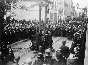 """Liotard, appartenant tous les trois à la bande armée des """"Chauffeurs de la Drôme"""", qui ravage la campagne valentinoise de 1905 à 1908."""