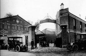 L'entrée de la société Renault Frères, à Boulogne-Billancourt (92)