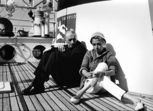 Le commandant Jacques-Yves Cousteau et Simone Melchior, sa première épouse, sur la Calypso