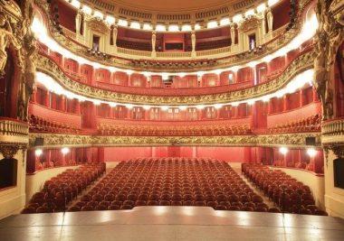 La salle de l'Opéra national du Rhin, vue depuis la scène