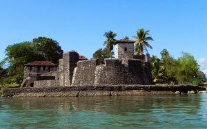 San Felipe de Lara, un fort colonial espagnol à l'entrée du lac Izabal, dans l'Est du Guatemala
