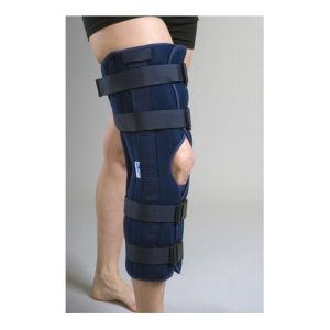 Une attelle de genou