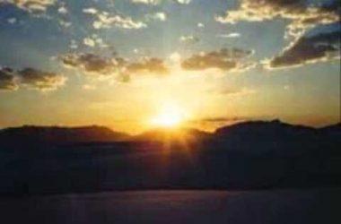 """""""Se lever avec les poules"""" ou """"Se lever avec le soleil"""" : lorsque le jour se lève"""