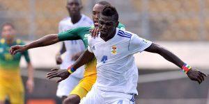 Le joueur international de football sénégalais, né le 19 octobre 1975, et évoluant au poste d'attaquant