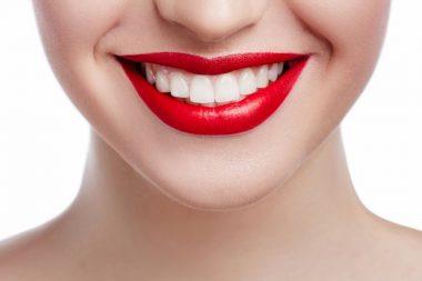 Un sourire féminin