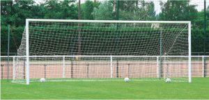 Une cage de football