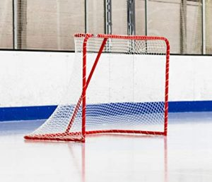 Une cage de hockey sur glace