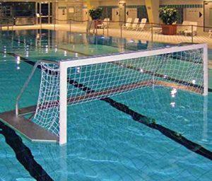Une cage de water-polo