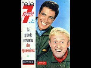"""Les acteurs français Jacques Santi (Michel Tanguy) et Christian Marin (Ernest laverdure), du feuilleton télévisé """"Les chevaliers du ciel"""", en couverture du magazine de programmes de télévision Télé 7 jours, du 11 novembre 1967"""