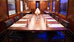 L'intérieur du wagon de l'armistice de Rethondes
