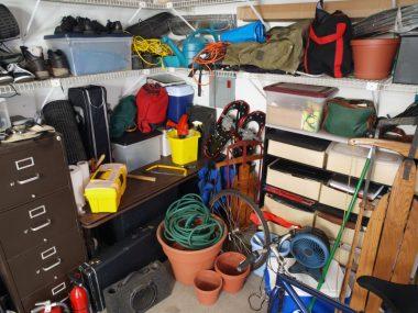 Un cafoutche ou garage mal rangé