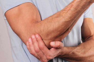 """""""L'épicondylite"""", également appelée """"Tendinite du bras"""" ou """"Tennis elbow"""""""