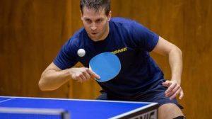 """Un """"pongiste"""" c'est à dire : un joueur de ping-pong"""
