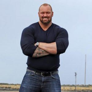 """""""Une armoire à glace"""" ou """"Une baraque"""" : l'acteur et sportif islandais Thor Björnsson 200 kg pour 2,05m"""
