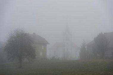 Un brouillard à couper au couteau