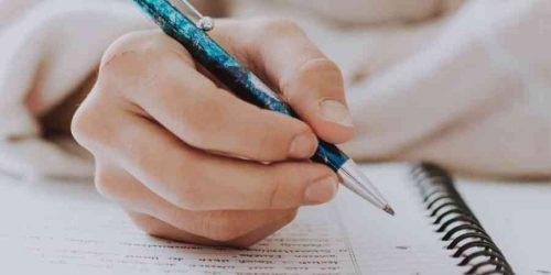 """""""Coucher sur le papier"""", c'est à dire : rédiger, narrer par écrit"""
